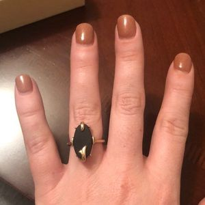 Jewelry - Vintage ring with black stone